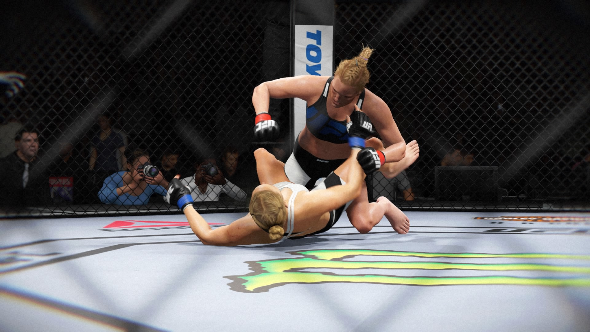 EA SPORTS™ UFC® 2_20160321231430.jpg