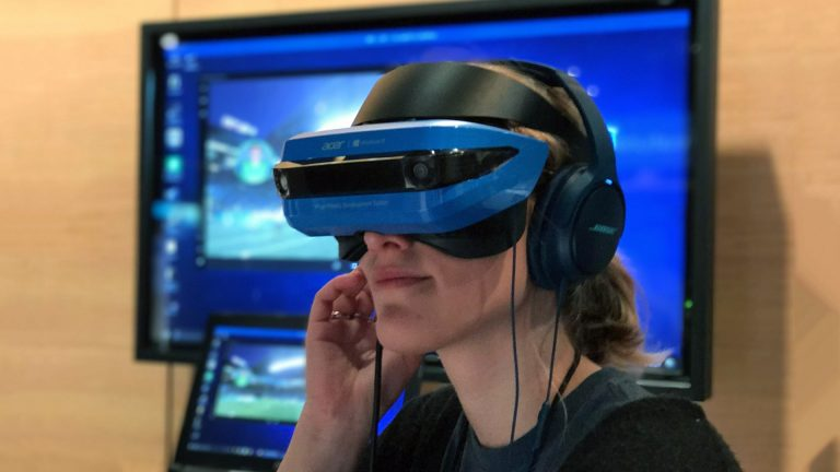 acer-windows-vr-mixed-reality-headset-768x432[1].jpg