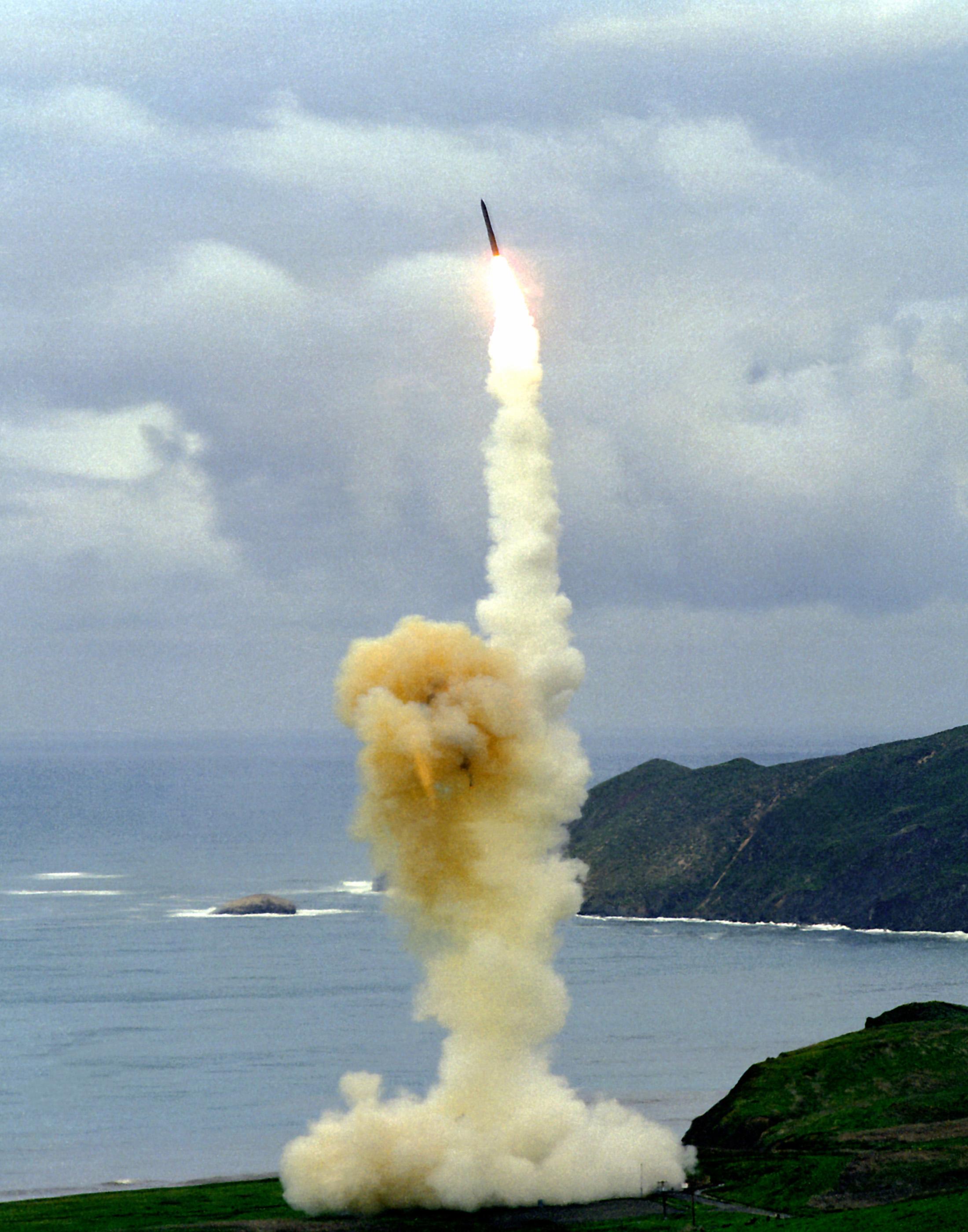 http---upload.wikimedia.org-wikipedia-commons-6-60-Minuteman3launch.jpg