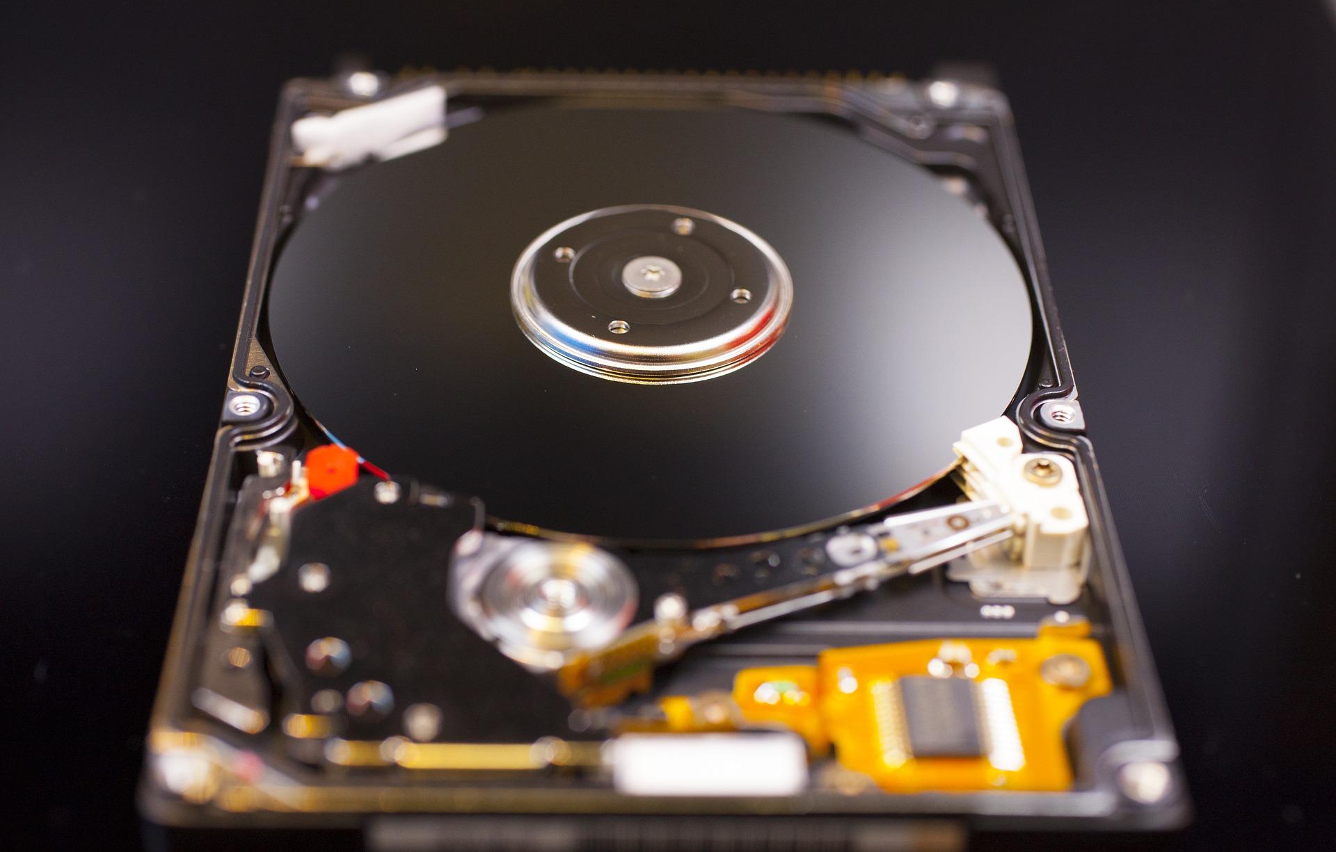 hard-disk-2403384_1920.jpg